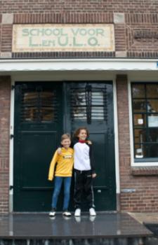 leerlingen voor de school